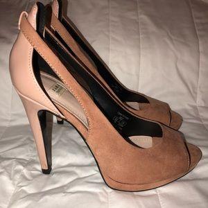 Zara Peep Toe Suede pumps